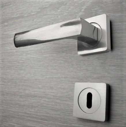 Door handle, Zinc base + Alu. Handle AH010