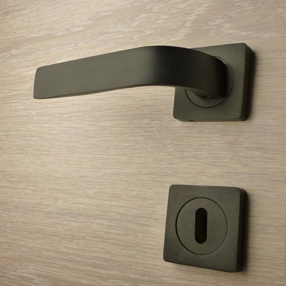 Black door handle, Zinc/Alu Handle H012